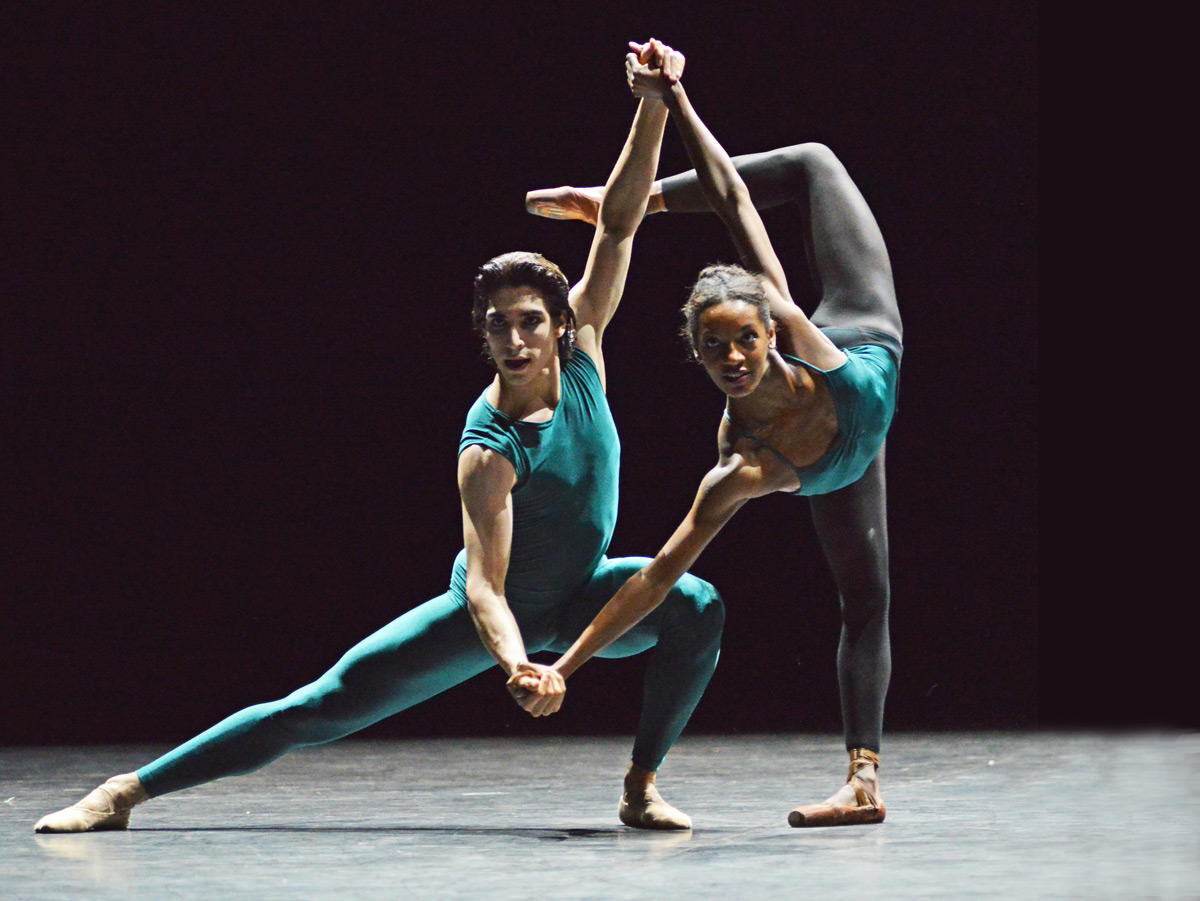 Cesar Corrales and Precious Adams in William Forsythe's <I>In the Middle, Somewhat Elevated</I>.<br />© Dave Morgan. (Click image for larger version)