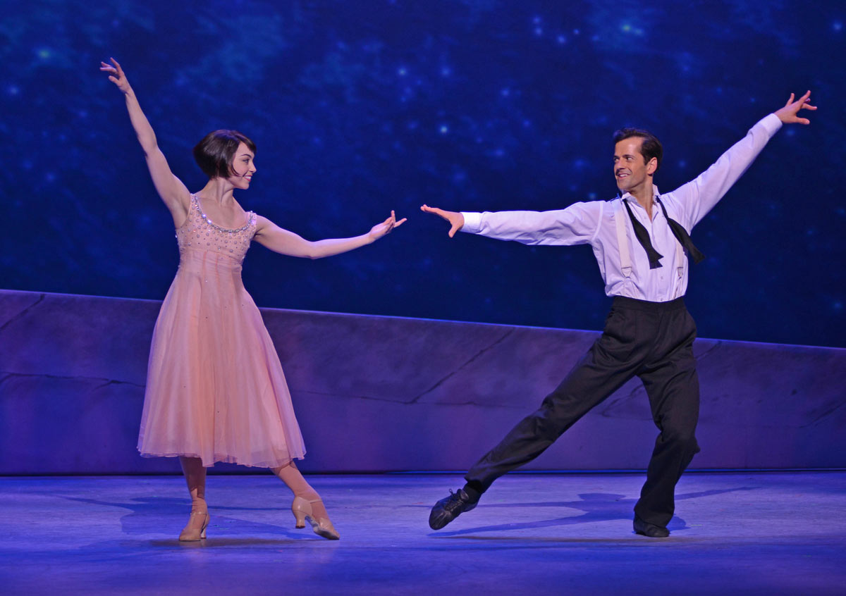 Leanne Cope and Robert Fairchild in <I>An American in Paris</I>.<br />© Dave Morgan. (Click image for larger version)