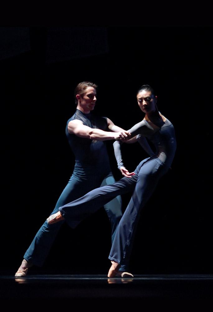 Yuan Yuan Tan and Luke Ingham in Possokhov's <I>Fusion</I>.<br />© Erik Tomasson. (Click image for larger version)