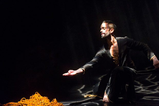 Aakash Odedra in <I>Echoes</I>.<br />© Foteini Christofilopoulou. (Click image for larger version)