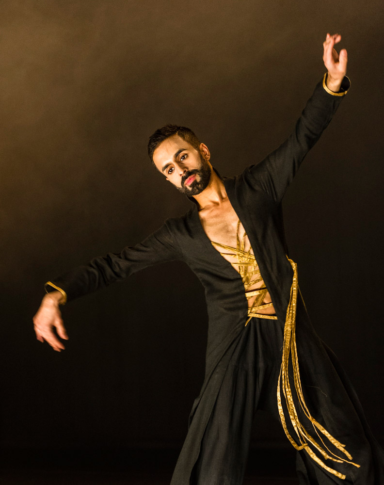 Aakash Odedra in Echoes.© Foteini Christofilopoulou. (Click image for larger version)