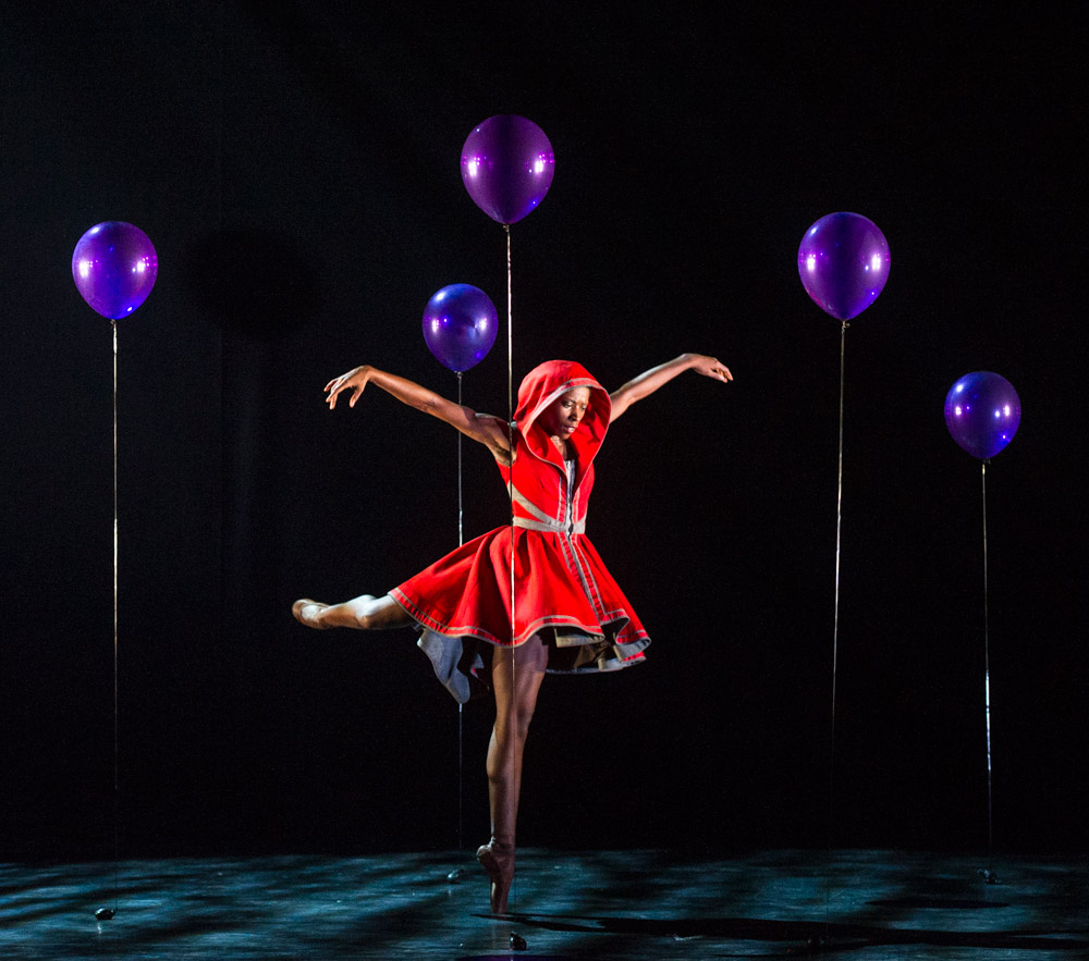 Cira Robinson in Red Riding Hood by Annabelle Lopez Ochoa.© Foteini Christofilopoulou. (Click image for larger version)