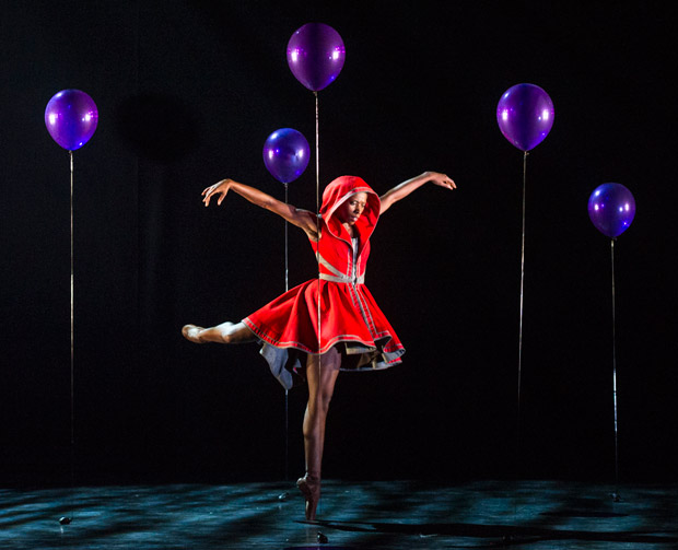 Cira Robinson in <I>Red Riding Hood</I> by Annabelle Lopez Ochoa.<br />© Foteini Christofilopoulou. (Click image for larger version)