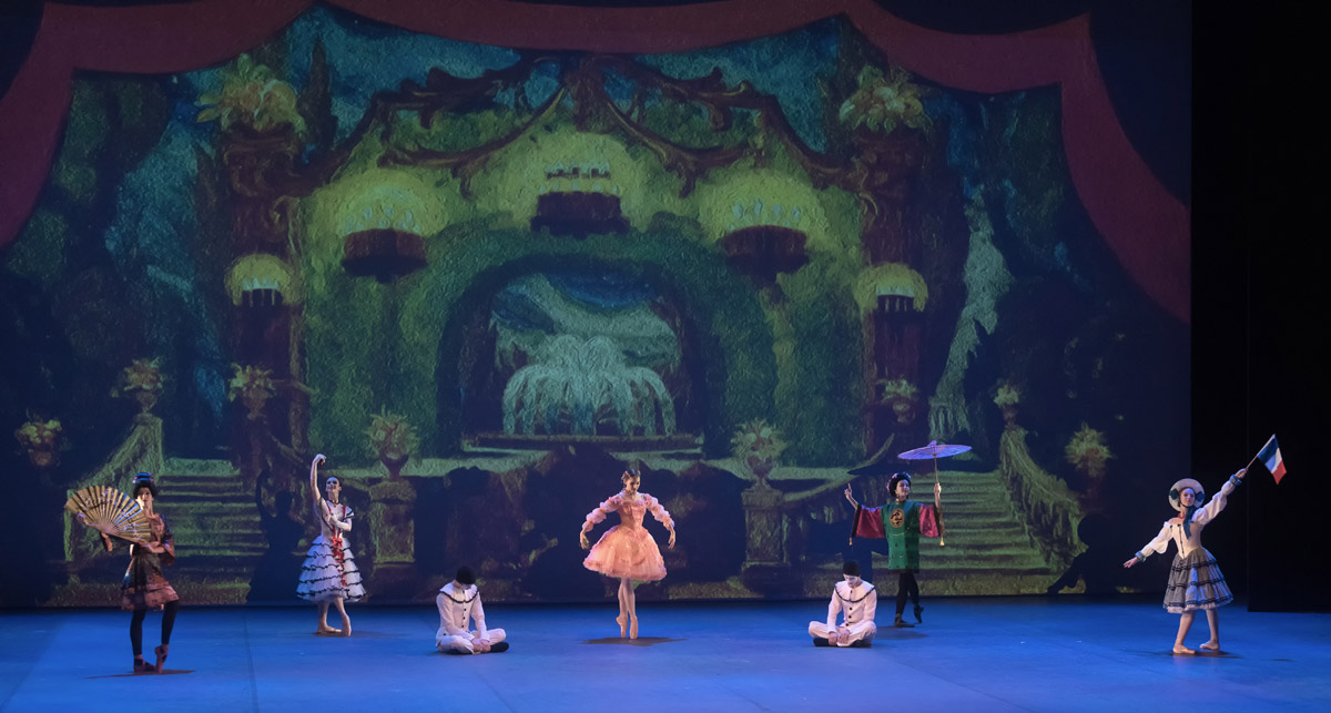 Vaganova Academy students in a divertissement from The Fairy Doll.© Marc Haegeman. (Click image for larger version)