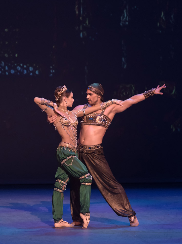 Ivan Vassiliev and Kristina Kretova in Sceherazade.© Marc Haegeman. (Click image for larger version)
