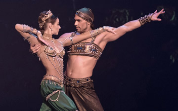 Ivan Vassiliev and Kristina Kretova in Sceherazade.© Marc Haegeman. (Click image for larger version)