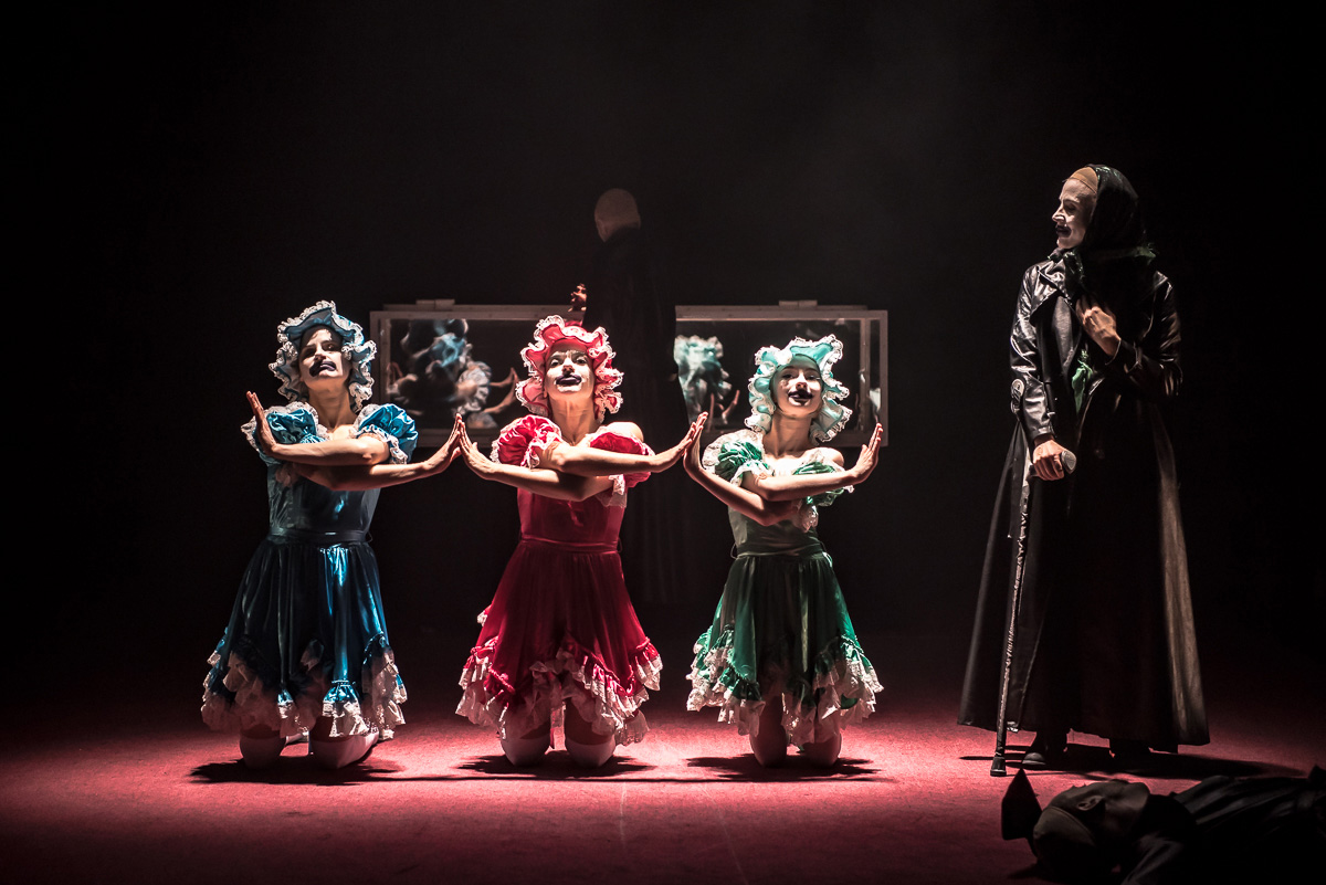 Clemmie Sveaas, Valentina Golfieri, Corey Claire Annand and Nadia Adame in Stepmother.© Stephen Wright. (Click image for larger version)
