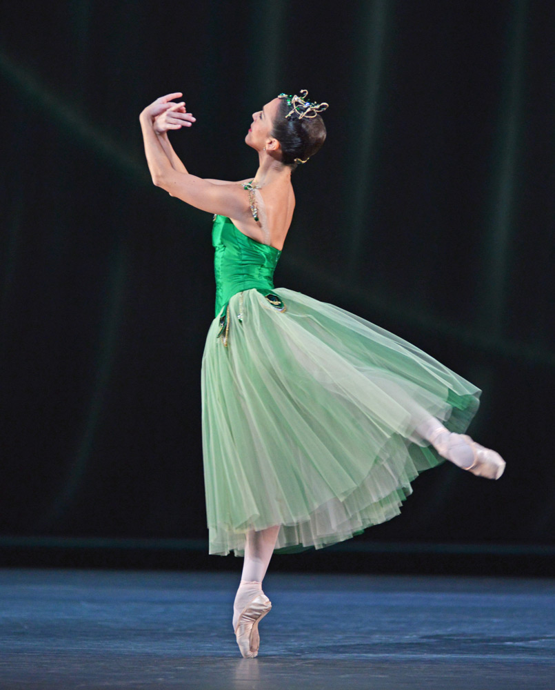 Laura Morera in Emeralds.© Dave Morgan, courtesy the Royal Opera House. (Click image for larger version)