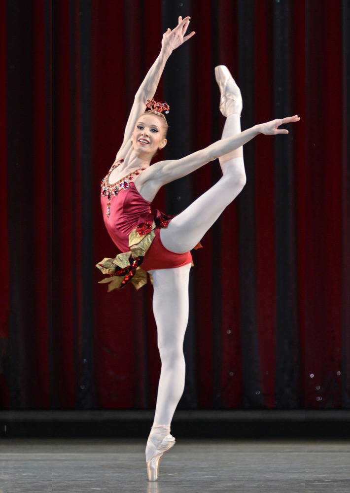 Melissa Hamilton in Rubies.© Dave Morgan, courtesy the Royal Opera House. (Click image for larger version)
