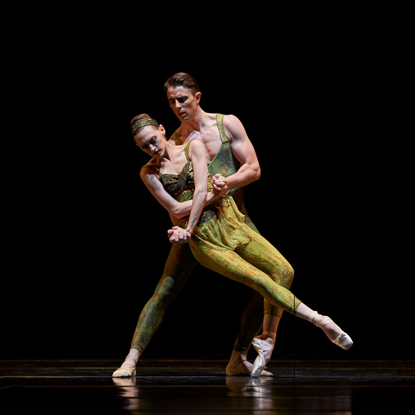 Sarah Van Patten and Luke Ingham in Wheeldon's<I> Within The Golden Hour</I>.<br />© Erik Tomasson. (Click image for larger version)