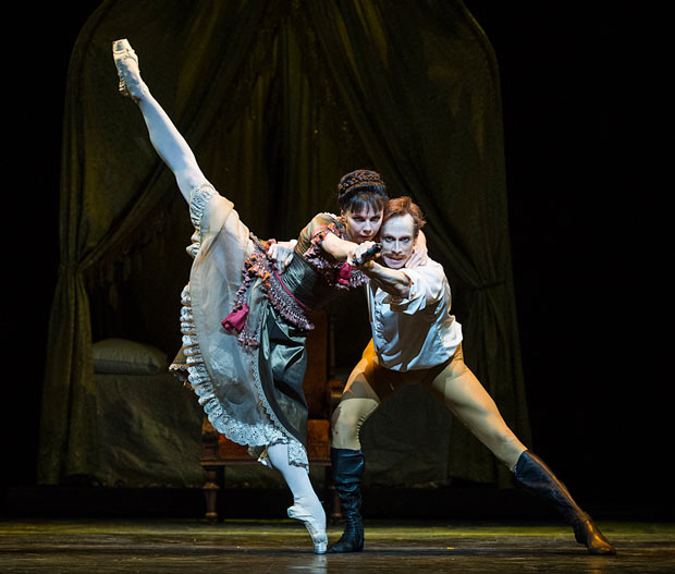 Natalia Osipova and Edward Watson in <I>Mayerling</I>.<br />© Foteini Christofilopoulou, courtesy the Royal Opera House. (Click image for larger version)