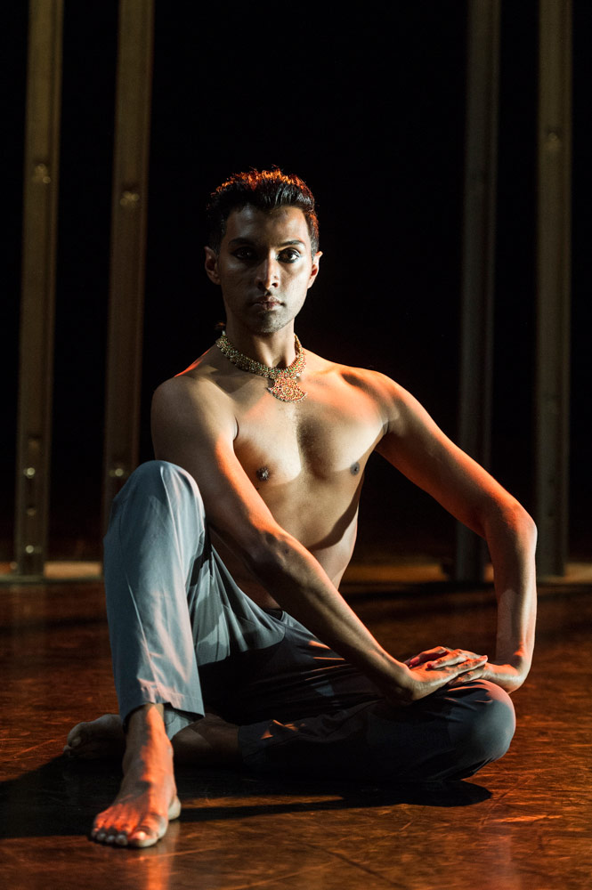 Sooraj Subramaniam in <I>Material Man Redux</I>.<br />© Foteini Christofilopoulou. (Click image for larger version)
