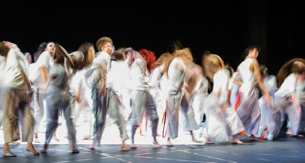 National Youth Dance Company in Damien Jalet's <I>Tarantiseismic</I>.<br />© Foteini Christofilopoulou. (Click image for larger version)