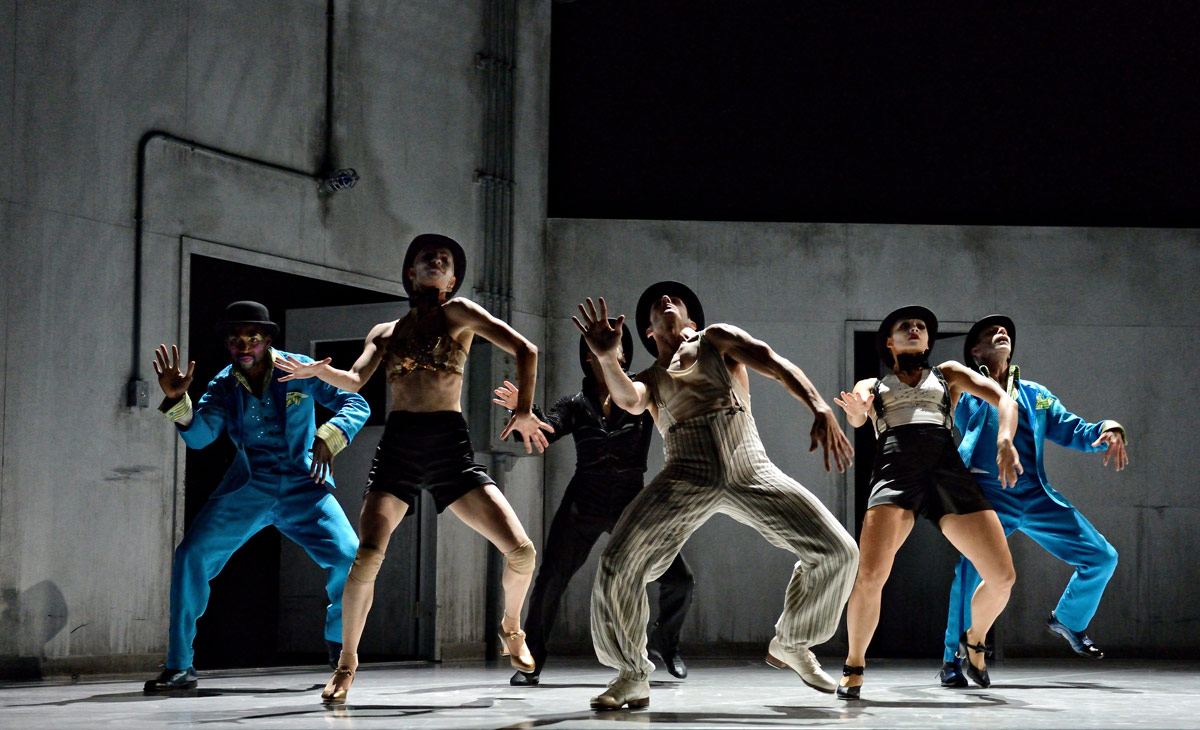 Crystal Pite and Jonathon Young's Betroffenheit.© Michael Slobodian. (Click image for larger version)