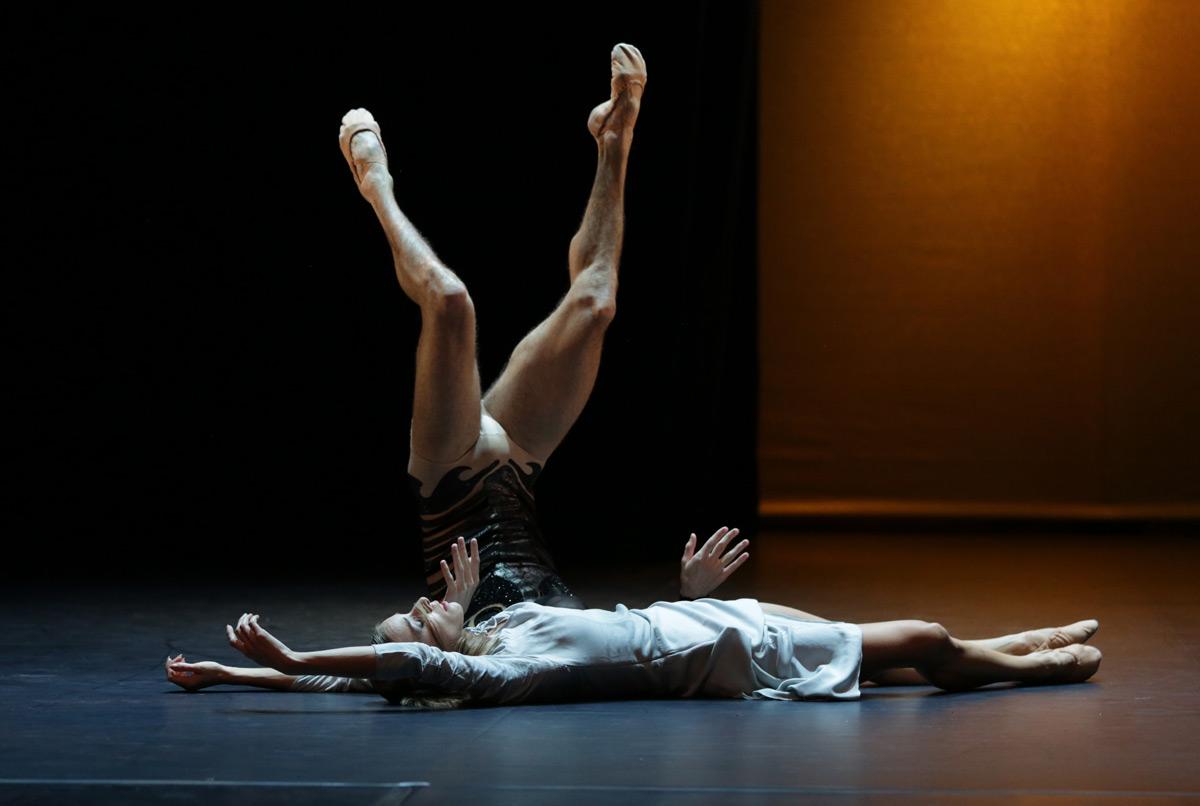 Malandain Ballet Biarritz in La Belle et la Bete.© Olivier Houeix. (Click image for larger version)