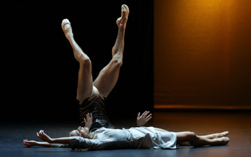 Malandain Ballet Biarritz in La Belle et la Bete.© Olivier Houeix. (Click image for larger version)
