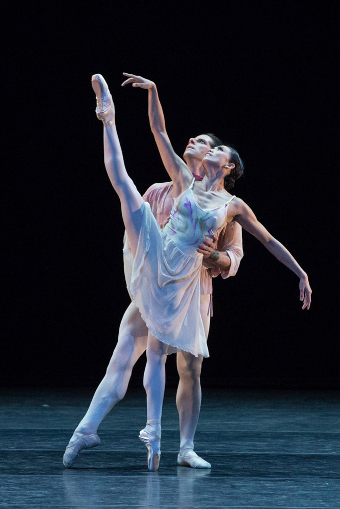Stella Abrera and Marcelo Gomes in The Leaves Are Fading.© Teresa Wood. (Click image for larger version)