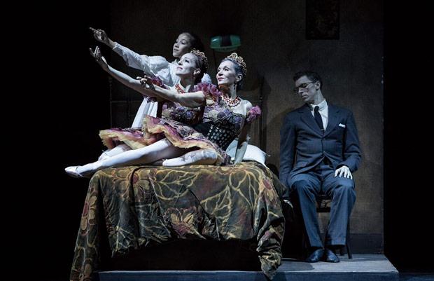 Amelia Soh, Leanne Stojmenov and Ai-Gul Gaisina in <I>Nutcracker – Story of Clara</I>.<br />© Daniel Boud. (Click image for larger version)