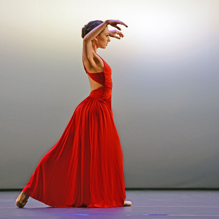 Madison Keesler in Liam Scarlett's <i>Variations on a Theme</i>.<br />© Dave Morgan. (Click image for larger version)