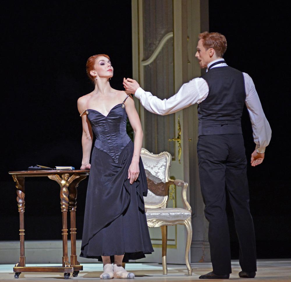 Natalia Osipova and Edward Watson in <I>Strapless</I>.<br />© Dave Morgan, courtesy the Royal Opera House. (Click image for larger version)