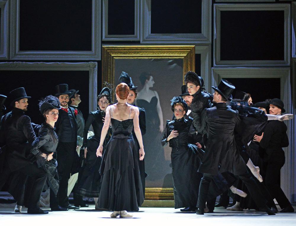 Natalia Osipova in <I>Strapless</I>.<br />© Dave Morgan, courtesy the Royal Opera House. (Click image for larger version)