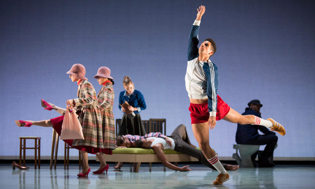 Rambert in Aletta Collins' <I>The days run away like wild horses</I>.<br />© Ellie Kurtz. (Click image for larger version)