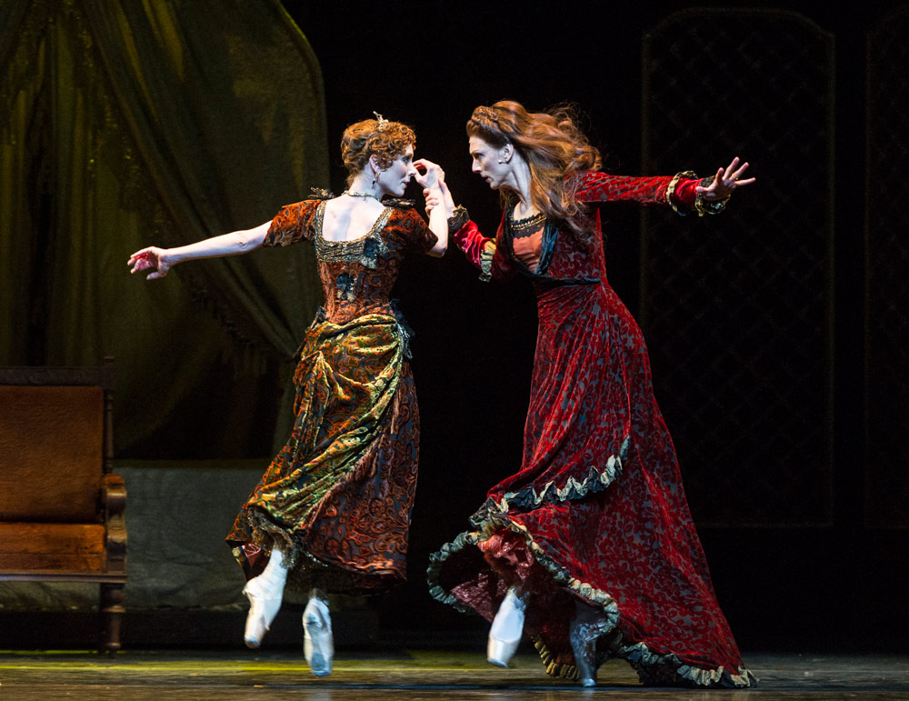 Sarah Lamb and Zenaida Yanowsky in <I>Mayerling</I>.<br />© Foteini Christofilopoulou, courtesy the Royal Opera House. (Click image for larger version)