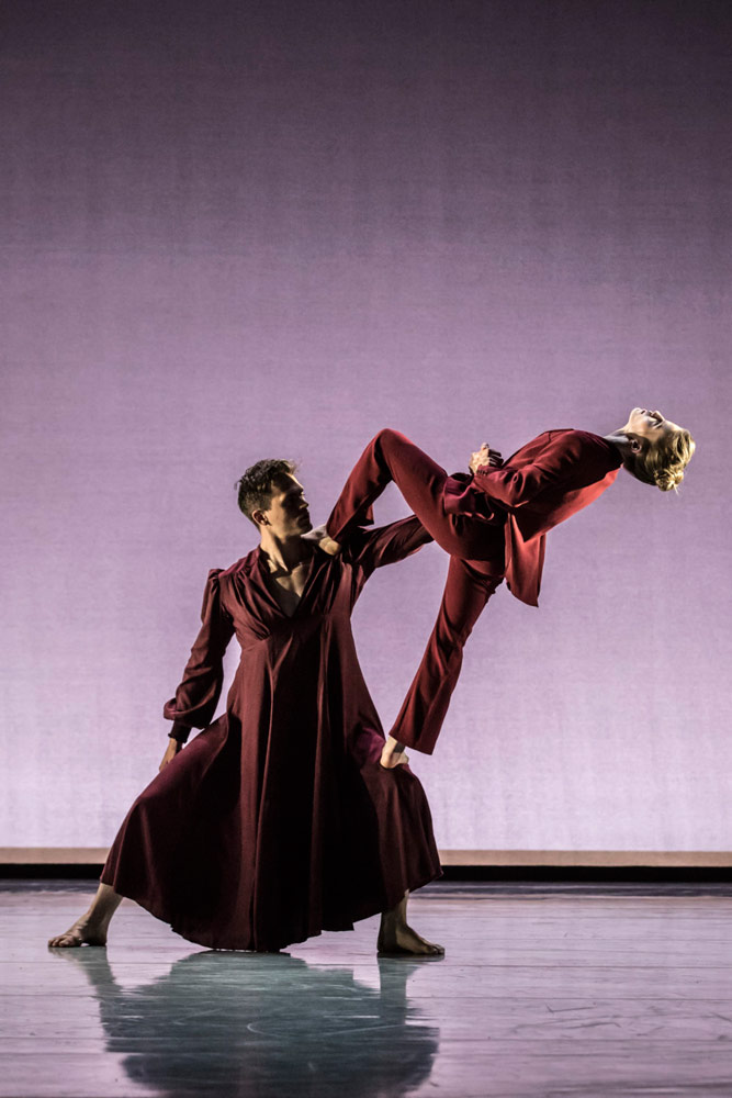 Adam Park and Hannah Rudd in Aletta Collins' <I>The days run away like wild horses</I>.<br />© Johan Persson. (Click image for larger version)