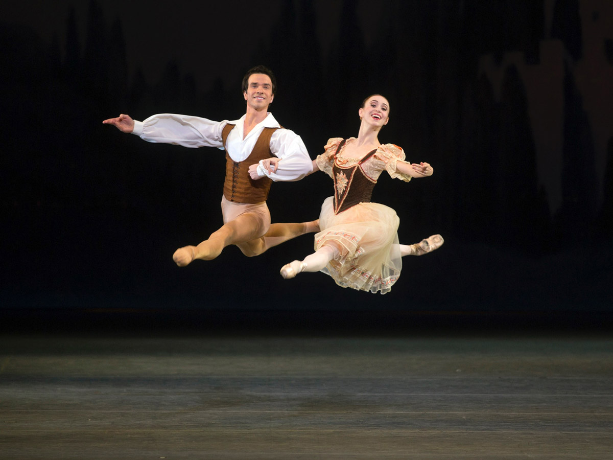 Skylar Brandt and Arron Scott in Giselle.© Rosalie O'Connor. (Click image for larger version)