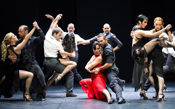 Sidi Larbi Cherkaoui's m¡longa.© Tristram Kenton. (Click image for larger version)