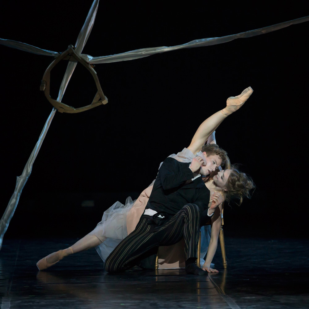 Astrid Elbo (Tourvel) and Jon Axel Fransson (Valmont) in Dangerous Liaisons.© Costin Radu. (Click image for larger version)