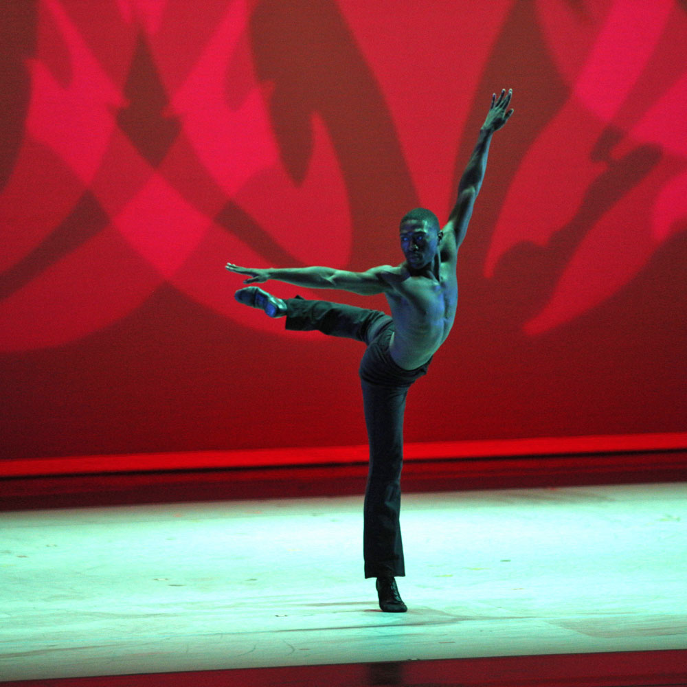 Chalvar Monteiro in Alvin Ailey's Revelations.© Daniel Azoulay. (Click image for larger version)