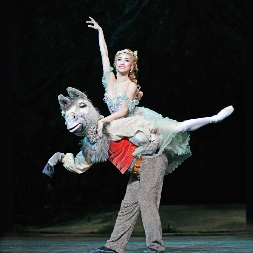 Akane Takada and Bennet Gartside in <I>The Dream</I>.<br />© Dave Morgan, courtesy the Royal Opera House. (Click image for larger version)