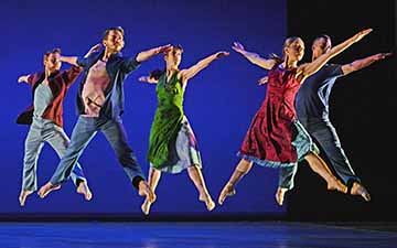 Richard Alston Dance Company in Gypsy Mixture.© Dave Morgan. (Click image for larger version)