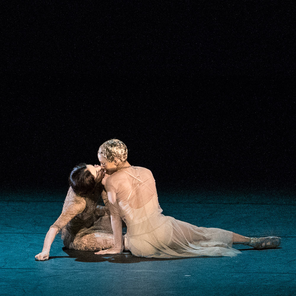 Alessandra Ferri and Francesca Hayward in the <I>I Now, I Then</I> section of <I>Woolf Works</I>.<br />© Darren Thomas. (Click image for larger version)