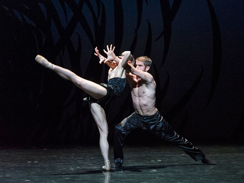 Bethany Kingsley-Garner and Victor Zarallo in Crystal Pite's <I>Emergence</I>.<br />© Foteini Christofilopoulou. (Click image for larger version)