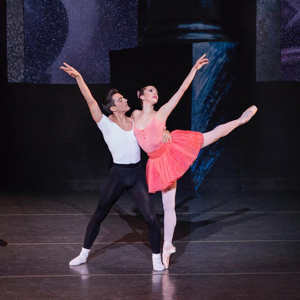 Nieve Corrigan and Davide Riccardo in Scènes de Ballet.© Paul Kolnik. (Click image for larger version)