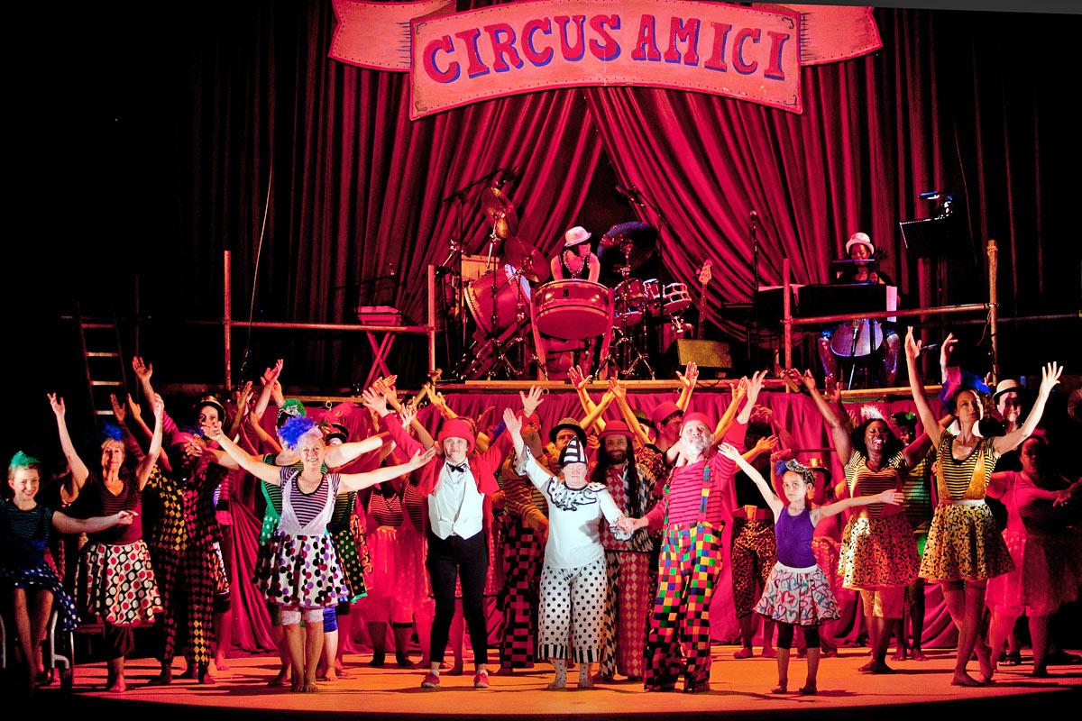 Amici Dance Theatre Company in Tightrope.© Sheila Burnett. (Click image for larger version)