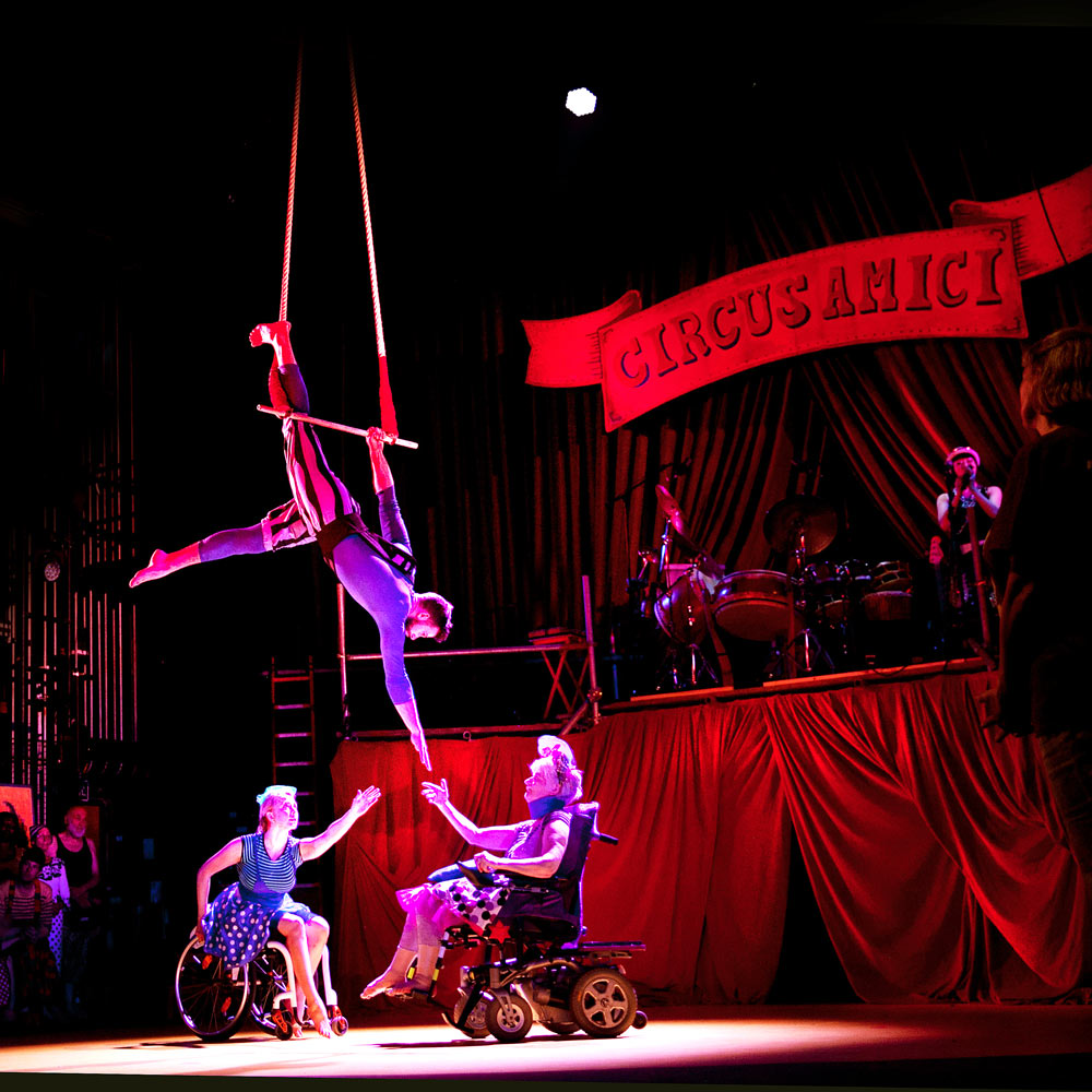 Amici Dance Theatre Company in Tightrope.© Sheila Burnett. (Click image for larger version)