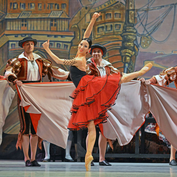 Viktoria Tereshkina in Don Quixote.© Dave Morgan. (Click image for larger version)