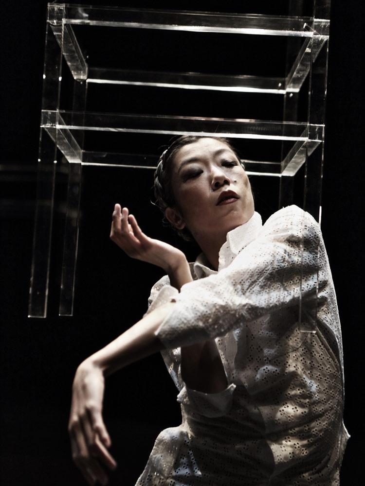Rihoko Sato in Sleeping Water.© Jean Michel Blasco. (Click image for larger version)