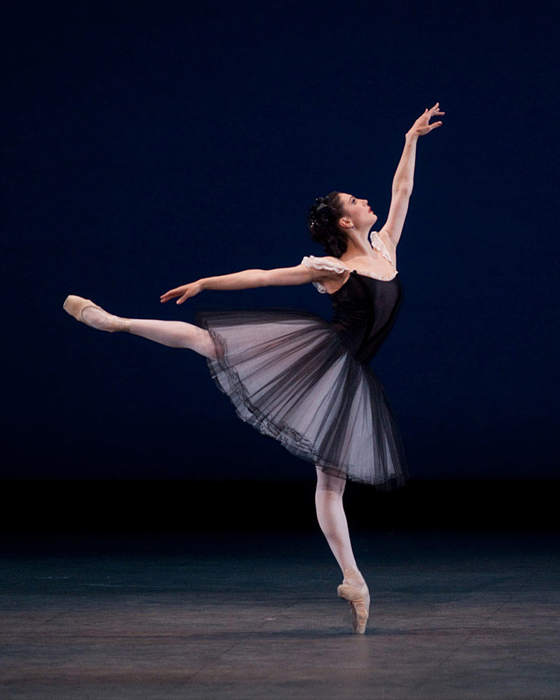 Veronika Part in Mozartiana. © The George Balanchine Trust.© Rosalie O'Connor. (Click image for larger version)