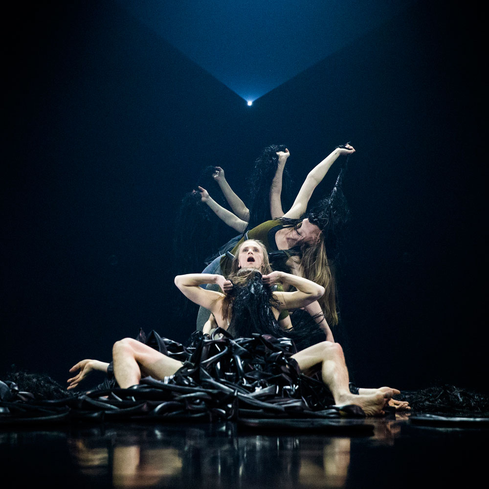 <I>Shrine</I>, part of Iceland Dance Company's <I>Sacrifice</I>.<br />© Jónatan Grétarsson. (Click image for larger version)