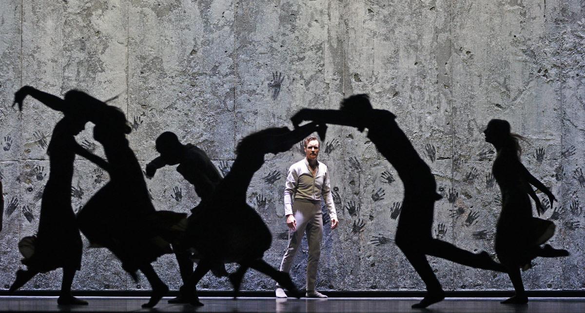 James Streeter in Akram Khan's Giselle.© Dave Morgan. (Click image for larger version)
