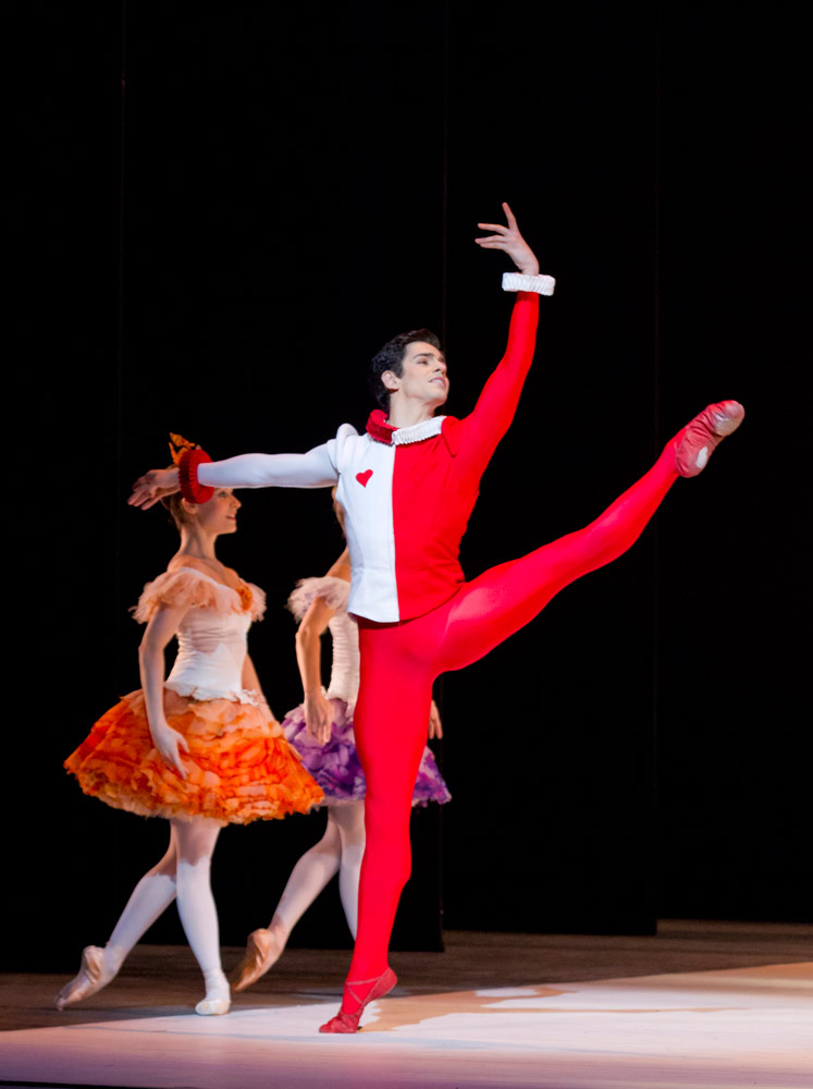 Federico Bonelli in Alice's Adventures in Wonderland.© Johan Persson, courtesy the Royal Opera House. (Click image for larger version)