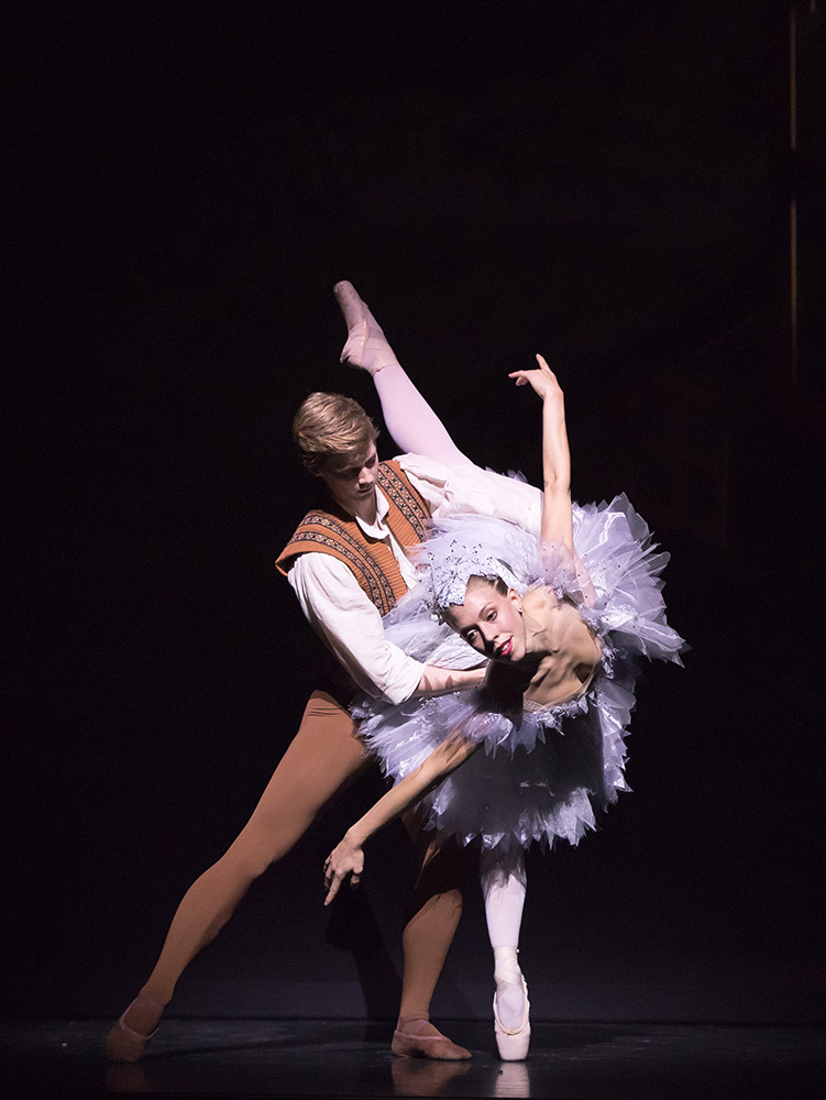 Constance Devernay and Andrew Peasgood in Kenneth MacMillan's The Fairy's Kiss.© Andy Ross. (Click image for larger version)