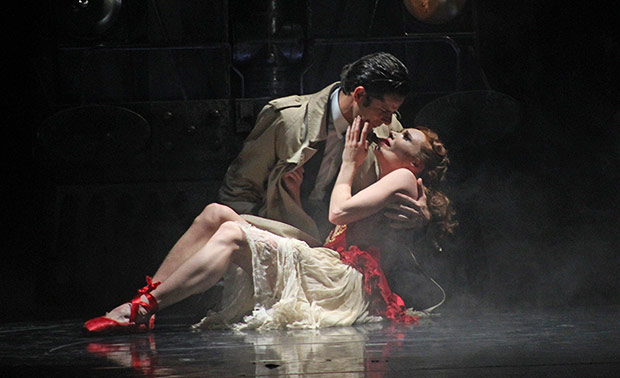 Marcelo Gomes and Sara Mearns in <I>The Red Shoes</I>.<br />© Daniel Coston. (Click image for larger version)