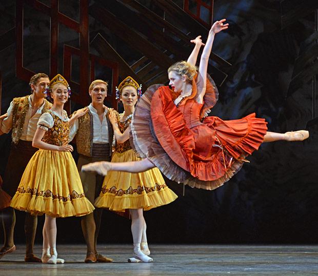Scottish Ballet's Mia Thompson in Le Baiser de la fee (The Fairy's Kiss).© Dave Morgan, courtesy the Royal Opera House. (Click image for larger version)