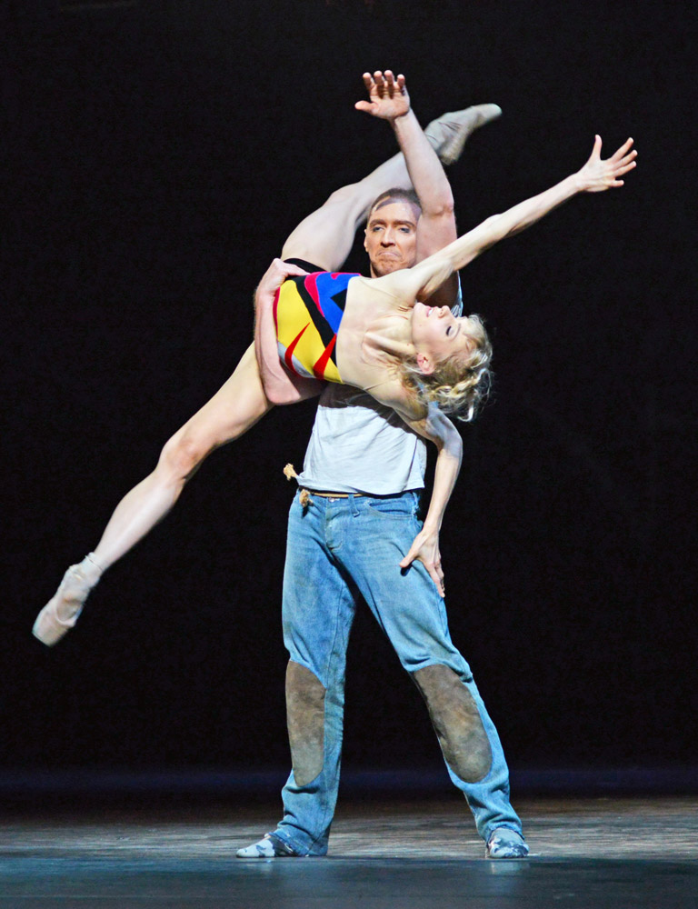 Melissa Hamilton and Bennet Gartside in <I>The Judas Tree</I>.<br />© Dave Morgan, courtesy the Royal Opera House. (Click image for larger version)