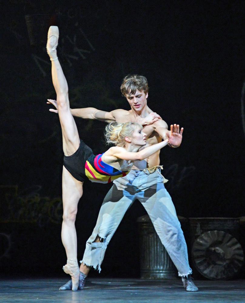 Melissa Hamilton and Matthew Ball in <I>The Judas Tree</I>.<br />© Dave Morgan, courtesy the Royal Opera House. (Click image for larger version)